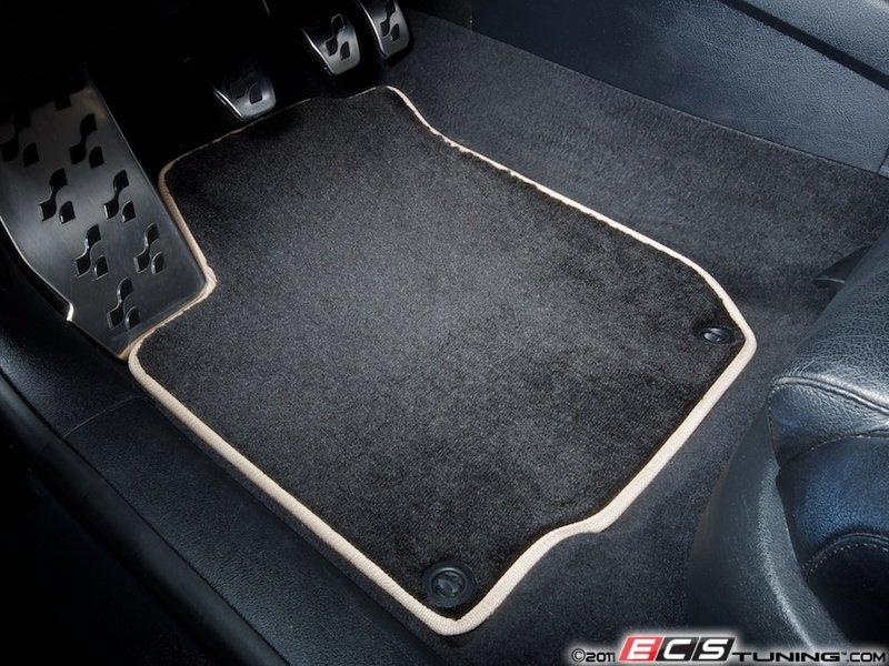 Beige Interior With Black Floor Mats Floor Mat Set Black